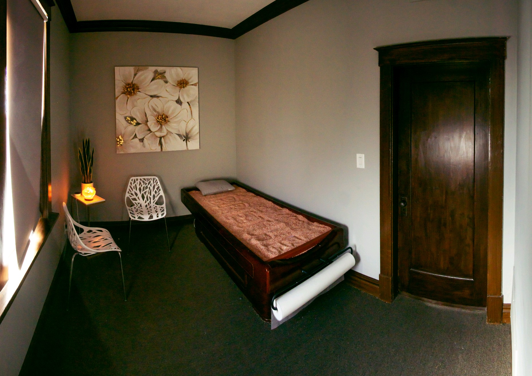 Enjoy the many health benefits of a heated Himalayan salt bed in the Solitude Room